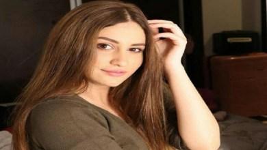 """صورة مؤثر.. بطلة """"سلمات أبو البنات"""" تحكي عن تخلي والدتها عنها -فيديو"""
