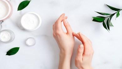 صورة وصفات طبيعية لترطيب اليدين بعمق