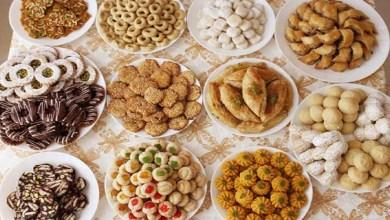صورة الإفراط في تناول الحلويات يوم العيد يهدد صحتك