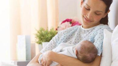صورة كيف تتجنبين ترهلات البطن بعد الولادة؟