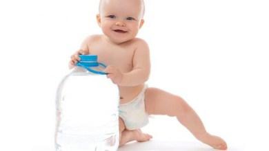 صورة ما هي كمية الماء الذي يحتاجها طفلك؟