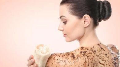 صورة مقشر طبيعي للجسم لتبييض البشرة… جربيه