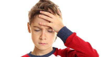 صورة علامات تدلّ على خطورة صداع طفلكِ