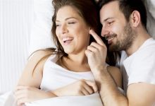 صورة الصمت خلال العلاقة الحميمة.. مفيد أم مضرّ؟