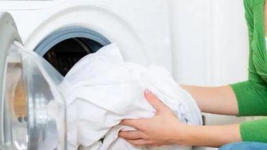 صورة طرق سحرية لازالة البقع عن الفساتين البيضاء