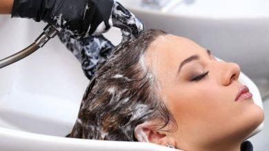 صورة متى يجب غسل الشعر المصبوغ لضمان ثبات اللون؟