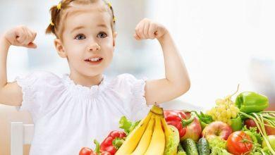 صورة 7 أكلات تقوي مناعة طفلك