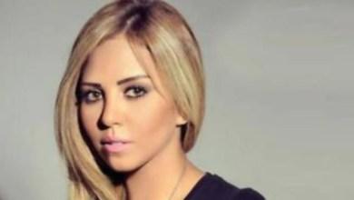 صورة مغنية مصرية شهيرة تصاب بمرض نادر وزوجها يطلب الدعاء لها