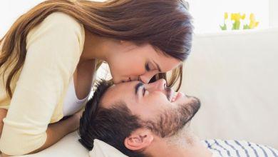 صورة كيف أثير زوجي بالحركات والكلام؟
