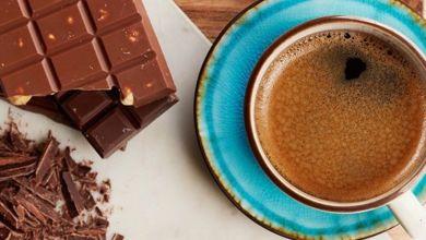 صورة القهوة مع الشوكولاتة عادة صحية تحسن ذاكرتك وحالتك المزاجية