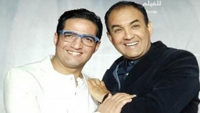 صورة الإخوة الوالي يكرمان المخرج محمد عاطفي بطريقتهم الخاصة