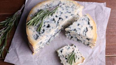 صورة عدو السمنة وصديق القلب.. 7 فوائد ذهبية للجبن الأزرق تجعلك تعشقه