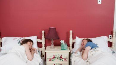 صورة نوم الزوجين منفصلين.. هل يهدّد علاقتهما؟