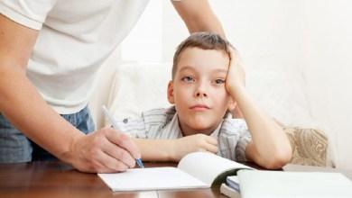صورة ملف الأسبوع.. نصائح وإرشادات للتعامل مع تكاسل الأطفال عن المدرسة