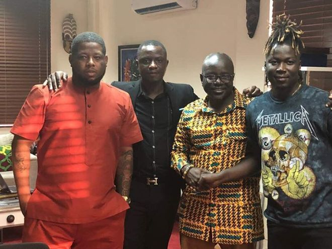 Wisa Greid with management