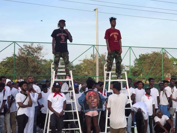 Kofi Mole - Mensah feat. Kwesi Arthur