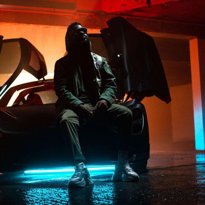 Sarkodie in Bleeding music video