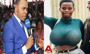 Watch the video below; ALSO READ: Nayas and Pamela Odame became highly spiritual at Prophet Badu Kobi's birthday party However, Pamela also claimed that indeed she is currently facing an issue of 'promise and fail' and pleaded with the man of God to deliver her. Angel Obinim further prayed and delivered her from the covenant and bondage between her and the dwarf spirits.