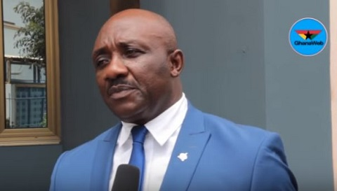 Hearts Board Member slams Malik Akowuah for smoking shisha