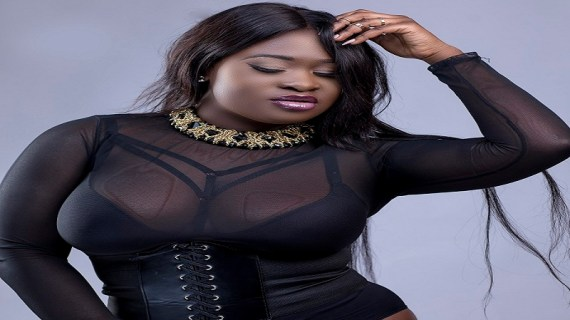 (Video) Sista Afia Sings for Ebony