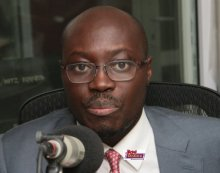 Minority criticizes government over Ghana's rising debt