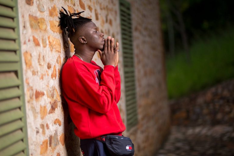 Download StoneBwoy – Hills And Valleys (Lovers Rock) (Prod. by Ephraim)