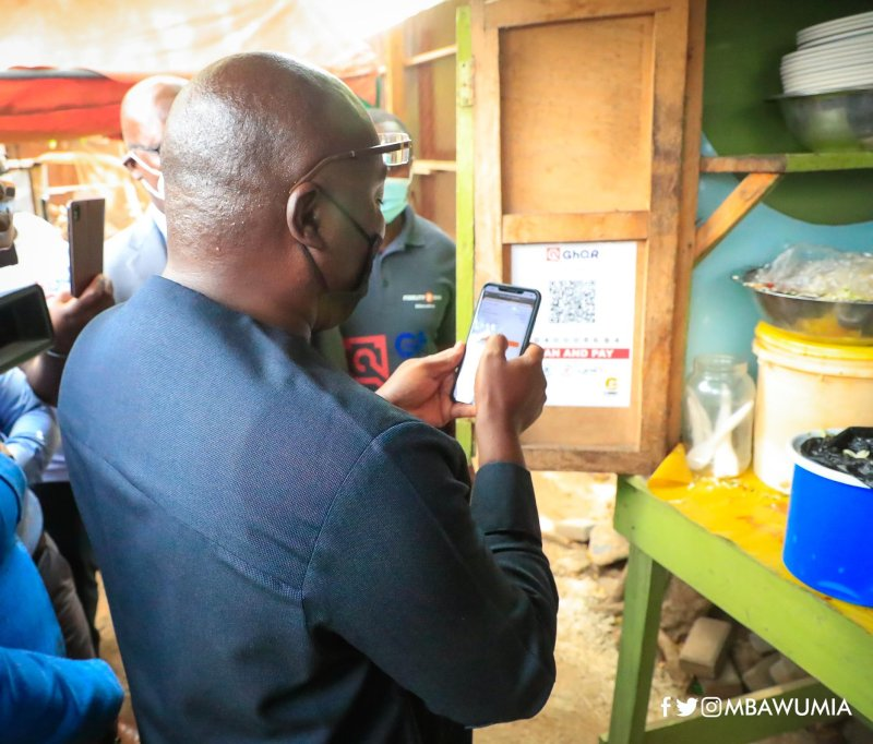 Bawumia buys Anti Muni's Waakye to outdoor QR Code payment system