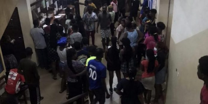 PHOTO: Another man falls from 3rd floor at University of Ghana