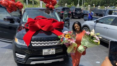 Photo of Nana Aba Anamoah in hot waters as police chase her over fake number plate