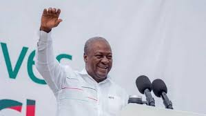 Photo of W/R: Lower Dixcove Chief Applauds Mahama For Outstanding Projects In Ahanta