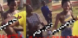 Photo of Two young ladies fight over a guy (Watch Video)