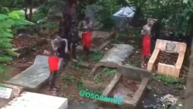 Photo of Video of Sakawa boys bathing at the cemetry hits the internet