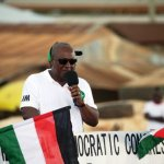 President Mahama addressing party supporters at Yendi Market