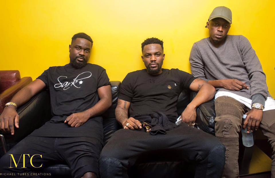 R2Bees Awes At Afrobeats Music Festival In The UK With A Dazzling