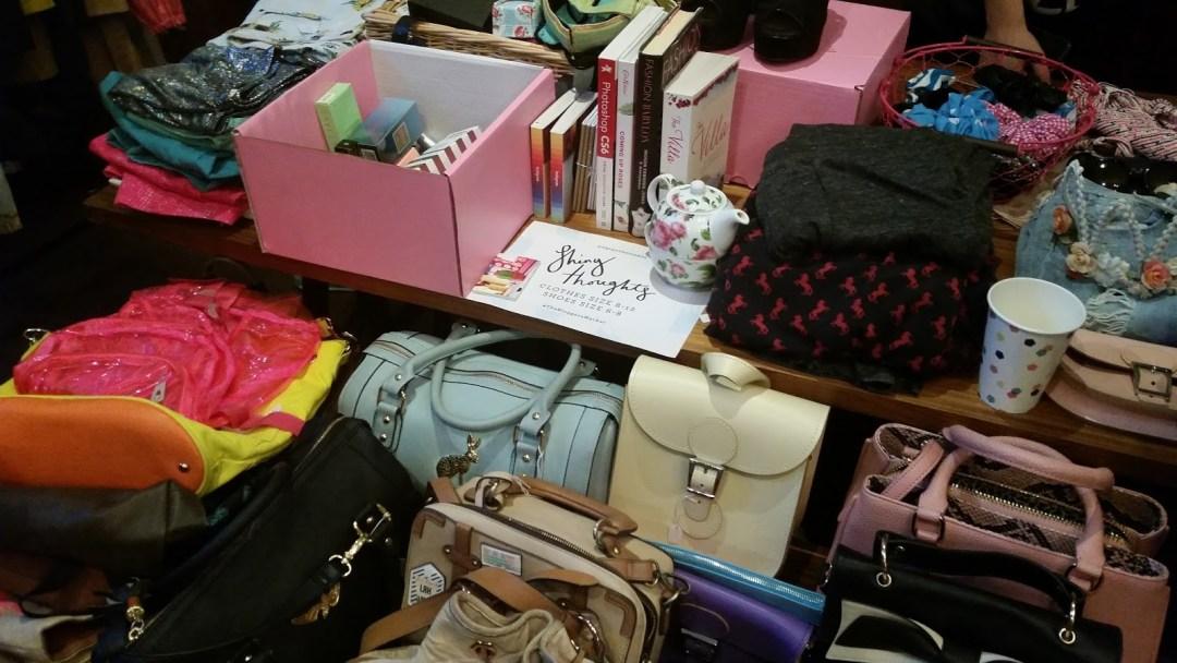 Ghenet Actually    The Blogger's Market