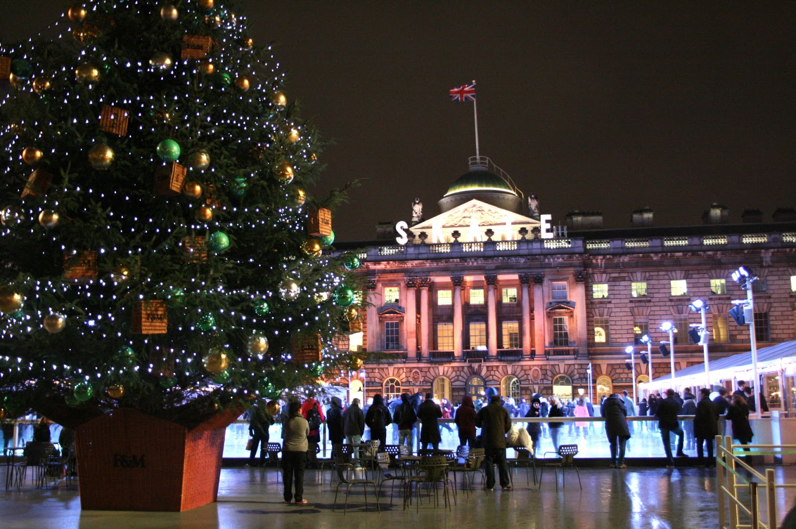 Ghenet Actually || Christmas in London