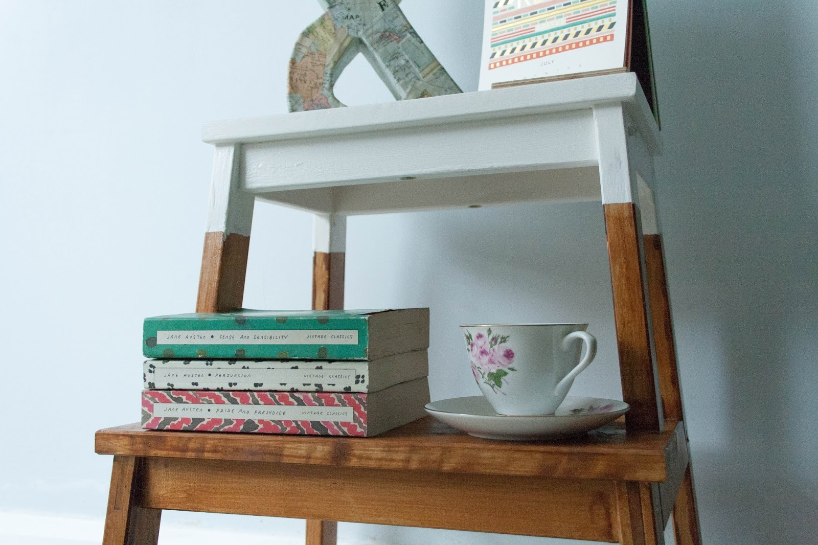 Ghenet Actually || DIY Sidetable