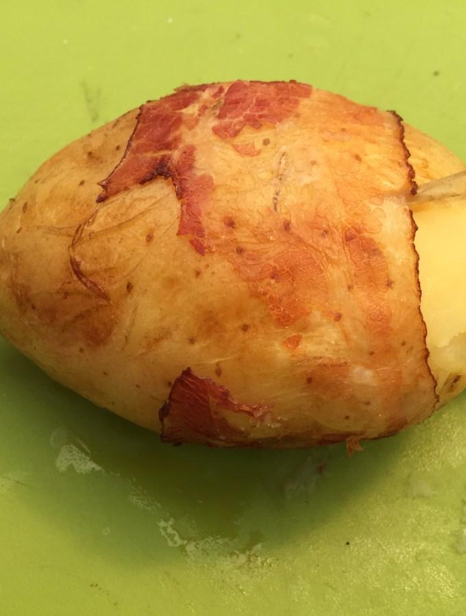 Potatobomb klaar om te serveren