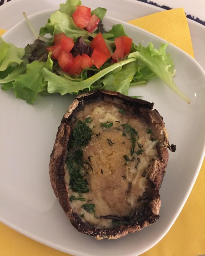 Gevulde Portobello Champignons klaar om te eten