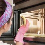 Чтобы микроволновая печь всегда была чистая.