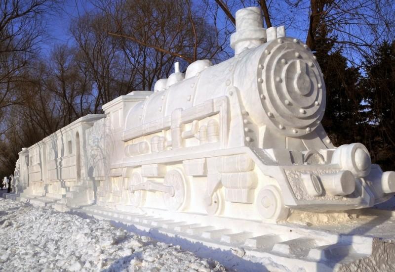 17. Снежный паровоз.