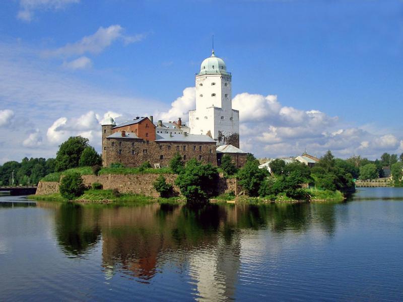 Интересные замки России