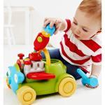 Какие игрушки выбрать для развития маленьких детей.