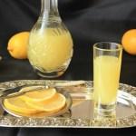Против тли поможет апельсиновый настой.