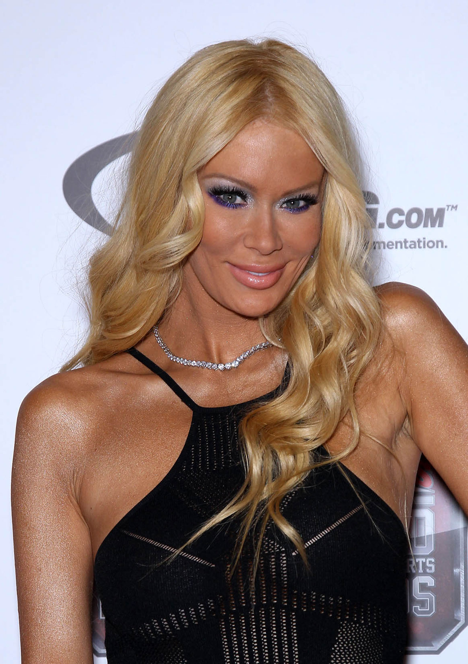 Porn Star Defends Donald Trump And You Won't Believe it