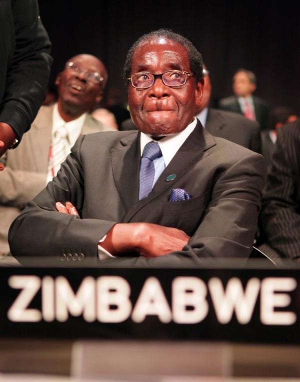 Video: Robert Mugabe Resigns As President of Zimbabwe