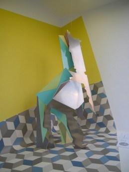 Sculpture frontale, 2015-17, aluminium, stratifié contrecollé, photographie : Sébastien Pons, POCTB