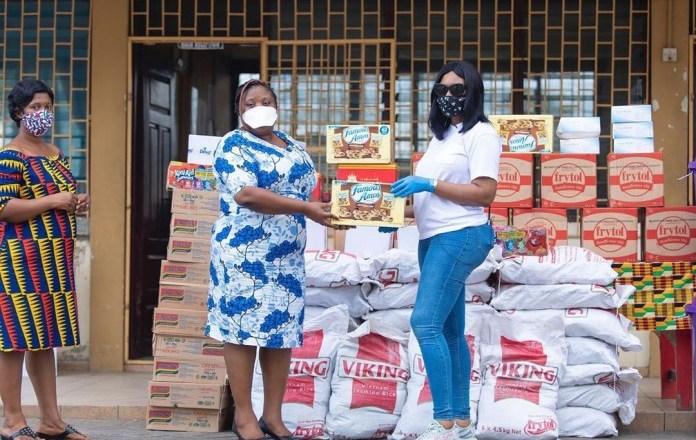 Sandra Ankobiah donates to Osu Children's home