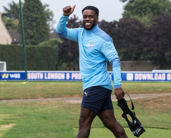 Ghana's Jeffrey Schlupp extends contract with Crystal Palace