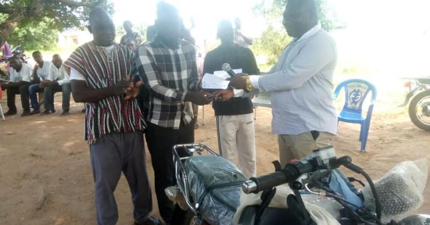 Deputy Minister supports Wellembelle Police with motorbike